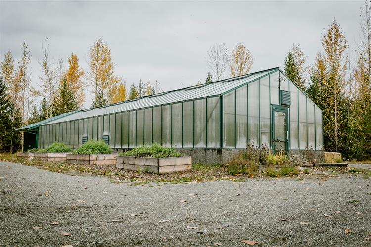 GreenhouseQuesnel3